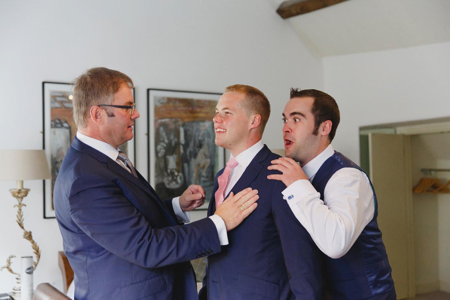 oxfordshire wedding photography groom and groomsmen