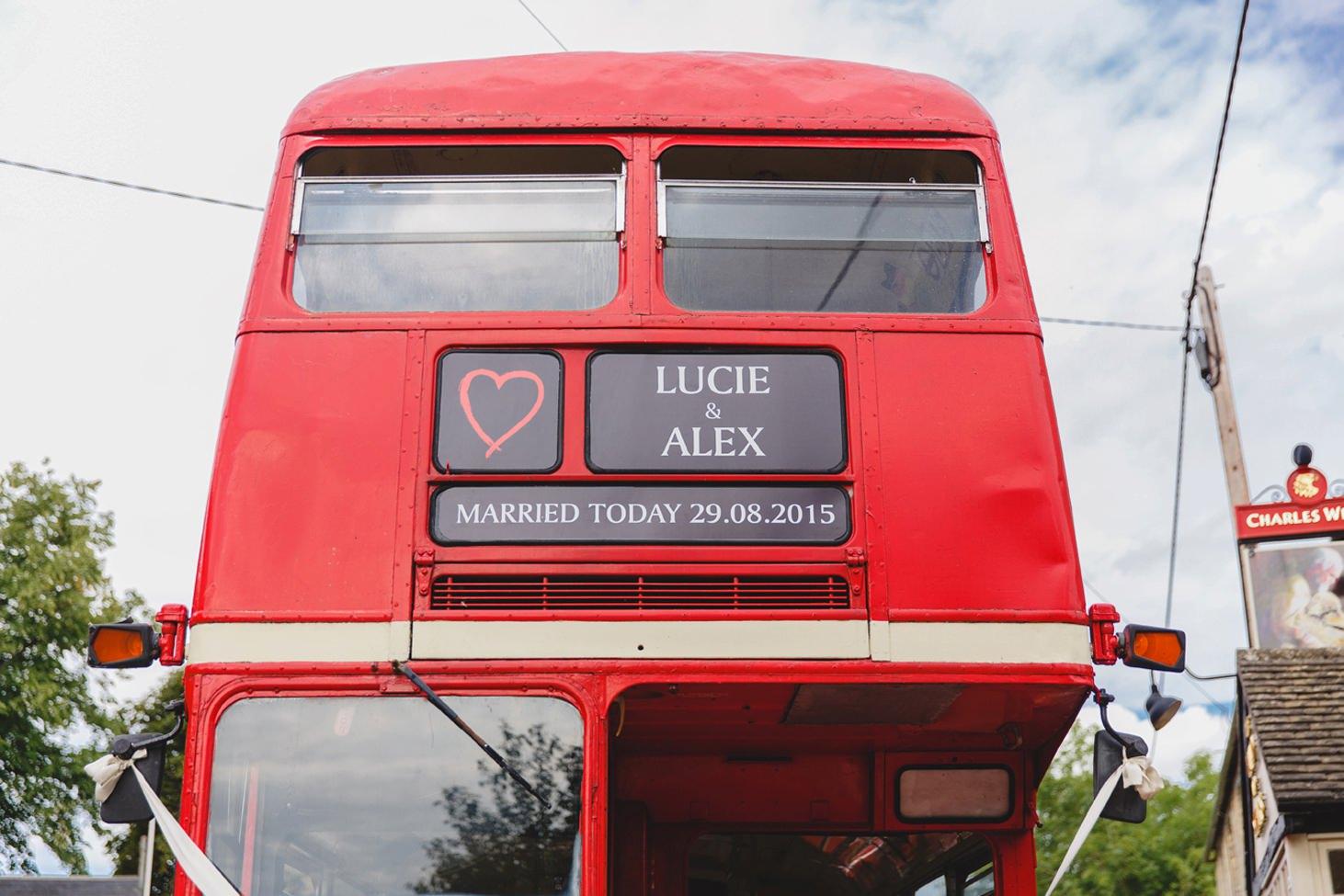 oxfordshire wedding photography vintage wedding bus