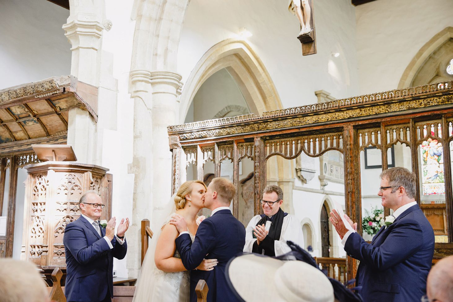 oxfordshire wedding photography first kiss