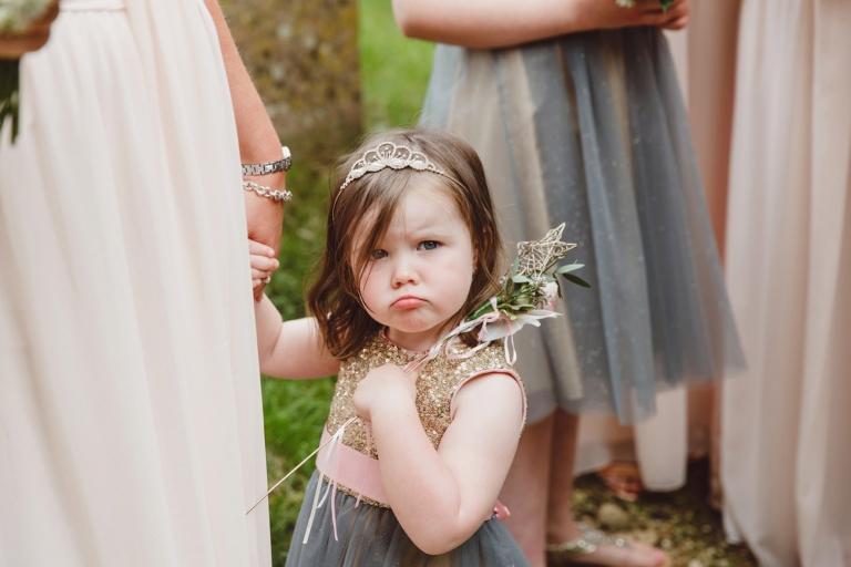 oxfordshire wedding photography flower girl
