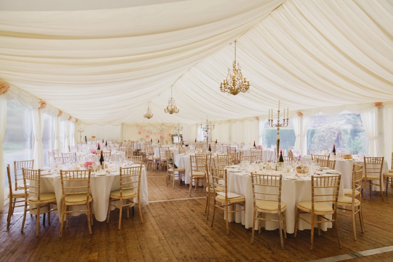 oxfordshire wedding photography dining room