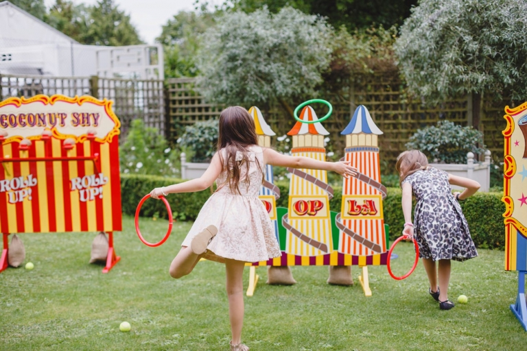 oxfordshire wedding photography guests games
