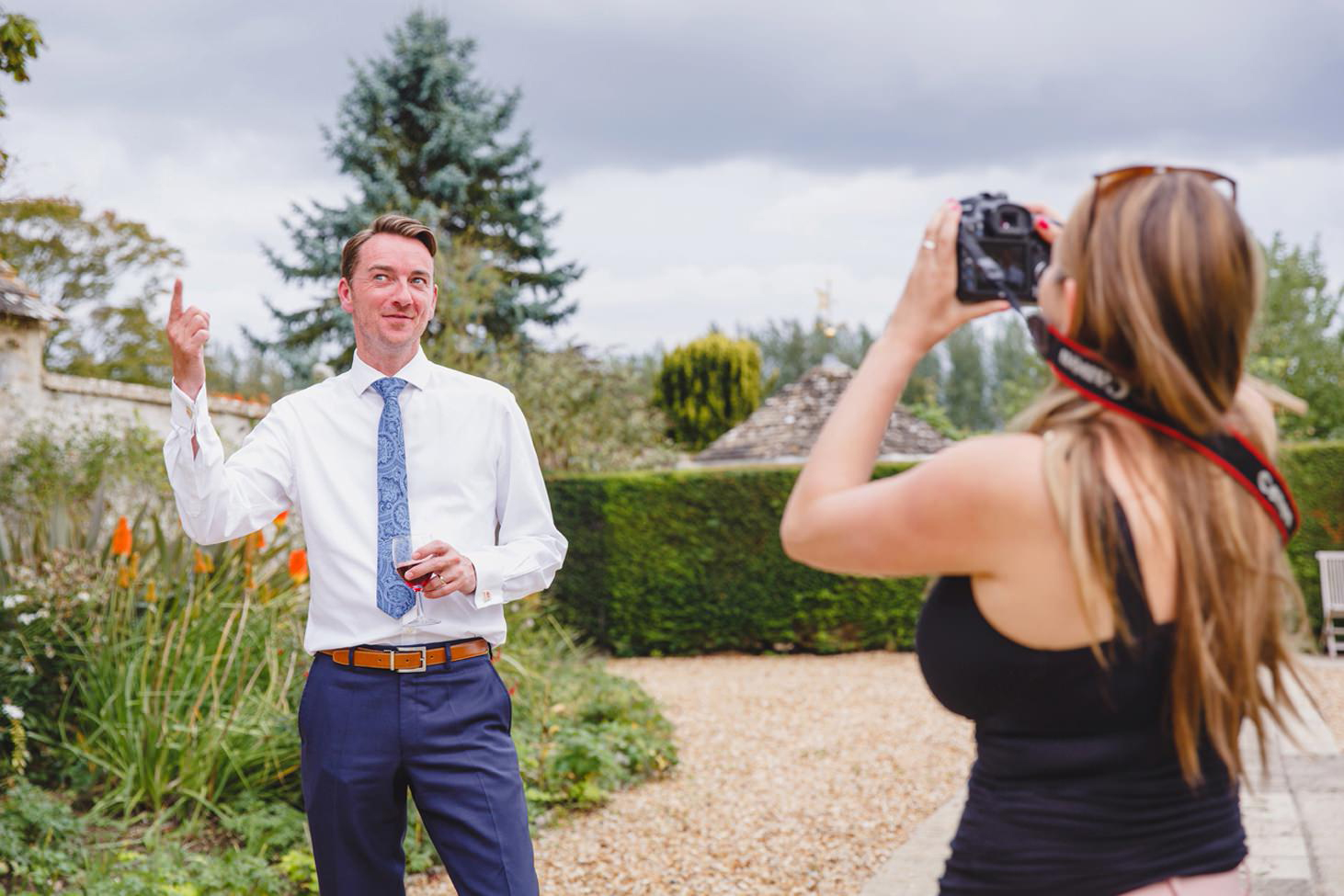 oxfordshire wedding photography guests
