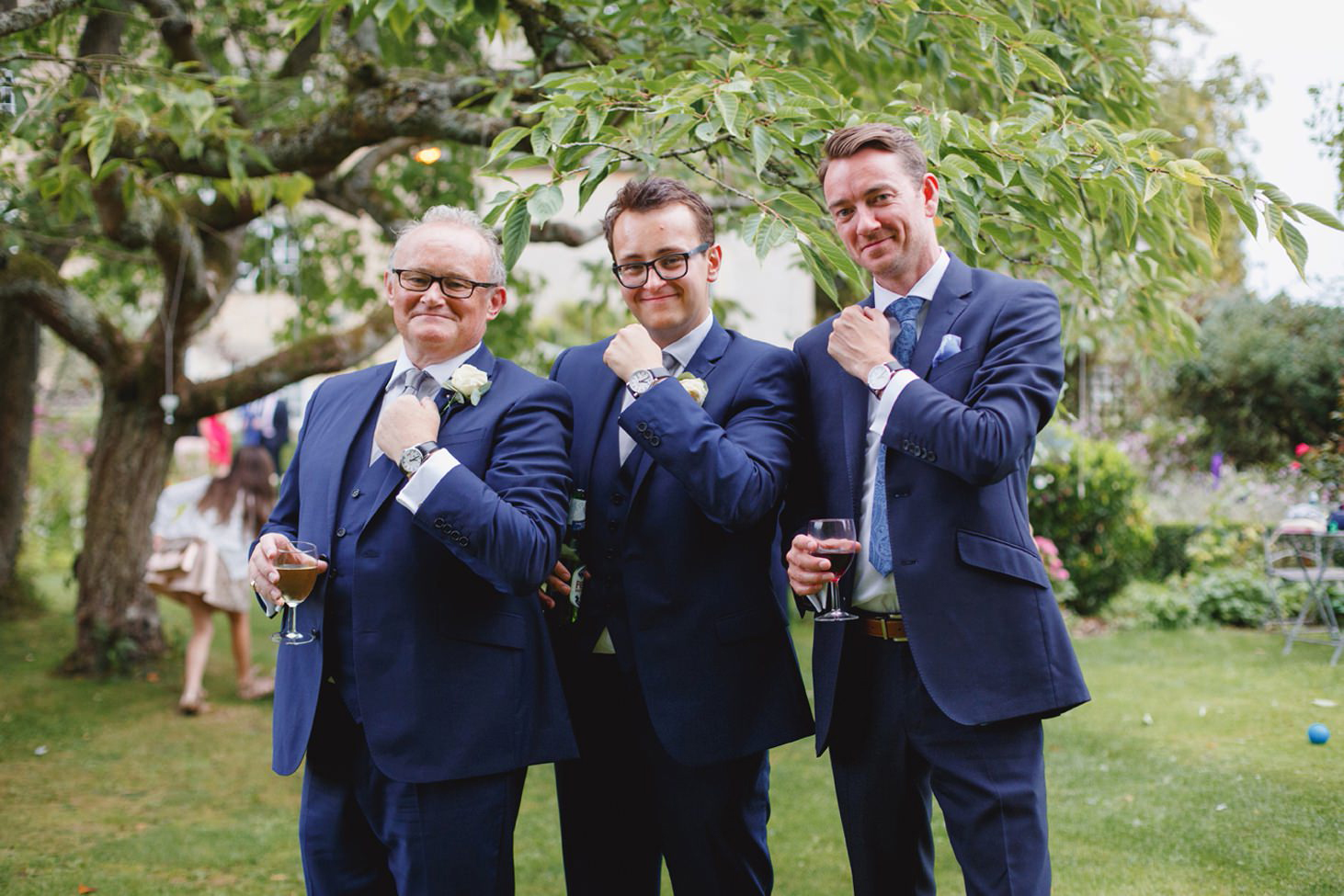 oxfordshire wedding photography groomsmen with their watches