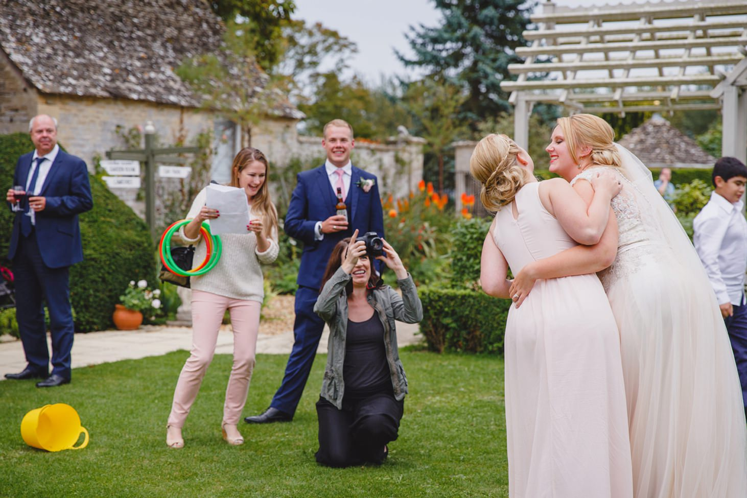 oxfordshire wedding photography bride and bridesmaid marryoke