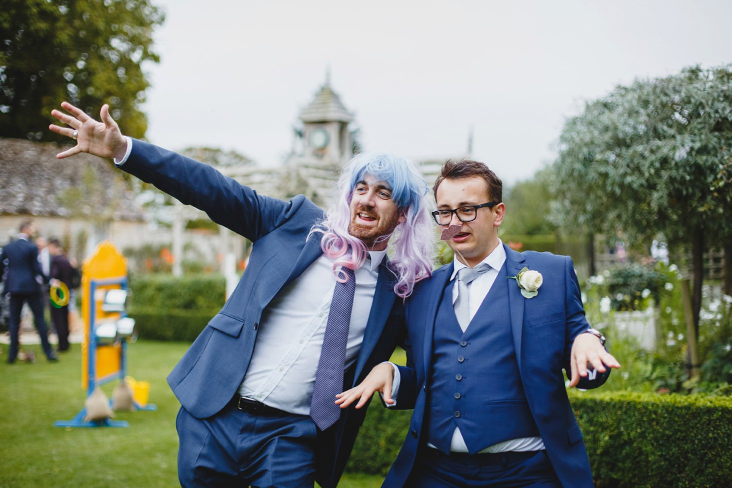 oxfordshire wedding photography groomsmen in wigs