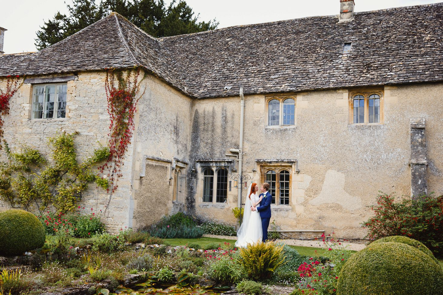 caswell house wedding photography bride and groom in grounds