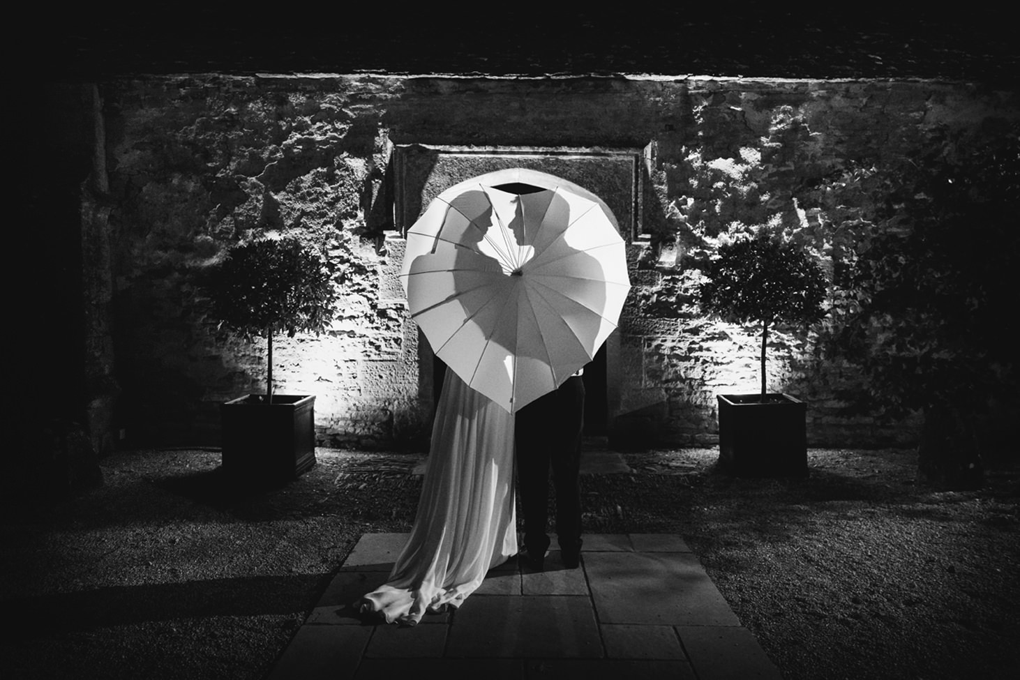 caswell house wedding photography backlit couple