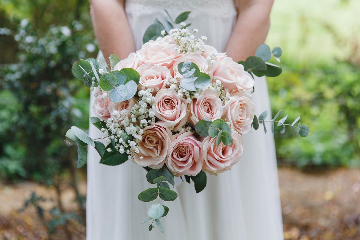 Bodleian library wedding brides bouquet
