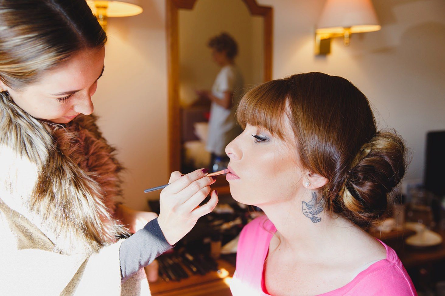 fun natural wedding photography bridesmaid prep