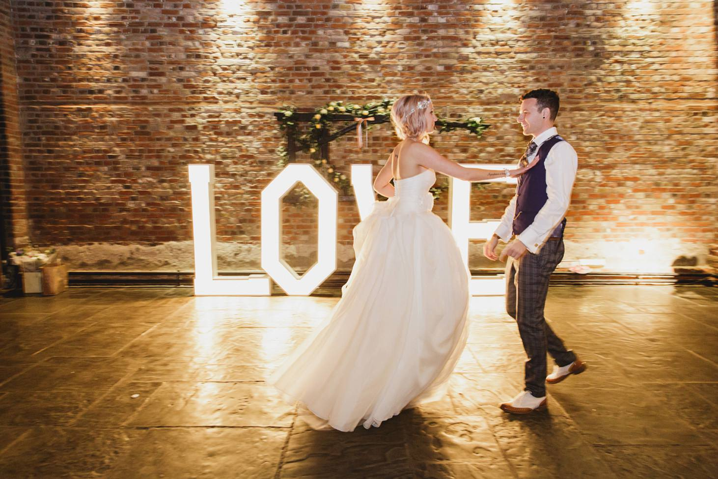 Cooling Castle barn wedding photography sarah ann wright 124