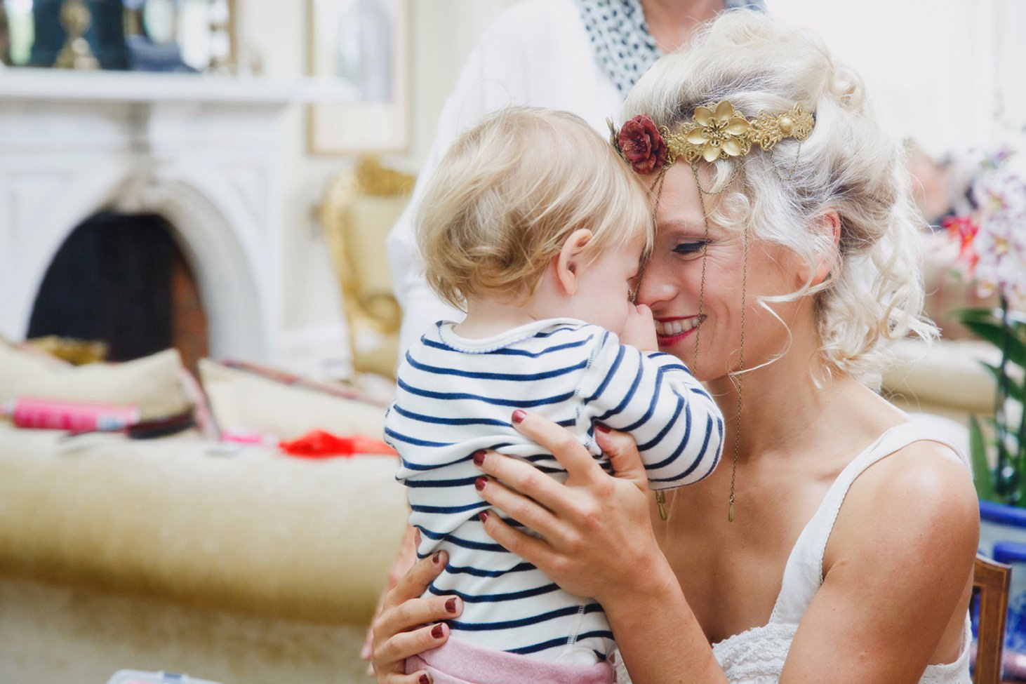 mount stuart wedding photography bride and her niece