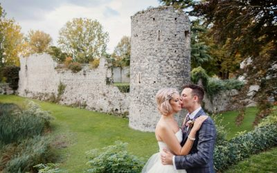Natural fun wedding photography at Cooling Castle barn – Claire and Roy