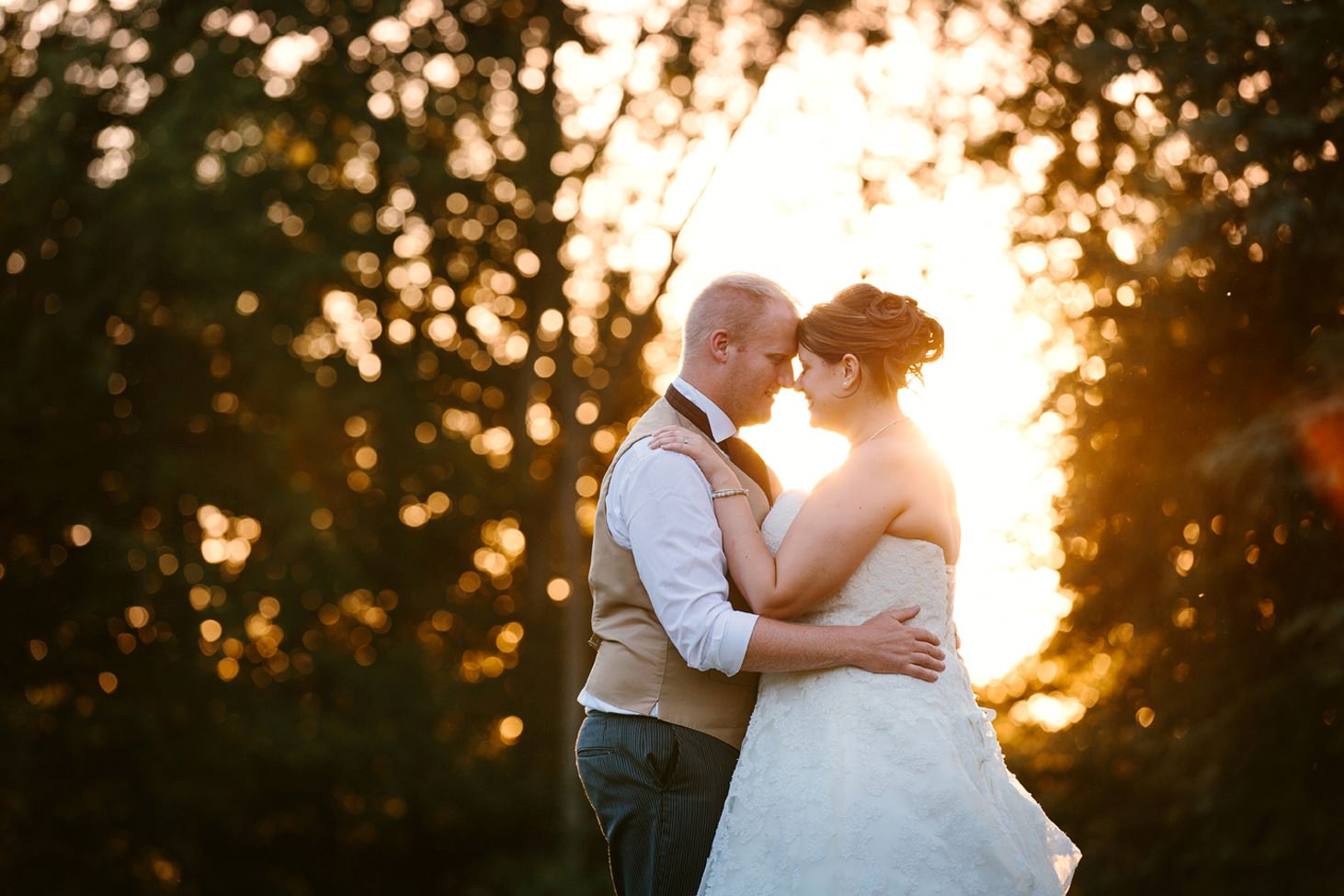 Wycombe Abbey wedding photography bride and groom in golden hour