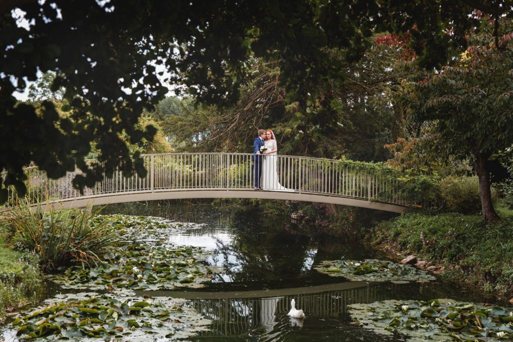 Caswell House wedding photography – Rebecca & Adrian's elegant Oxfordshire countryside wedding