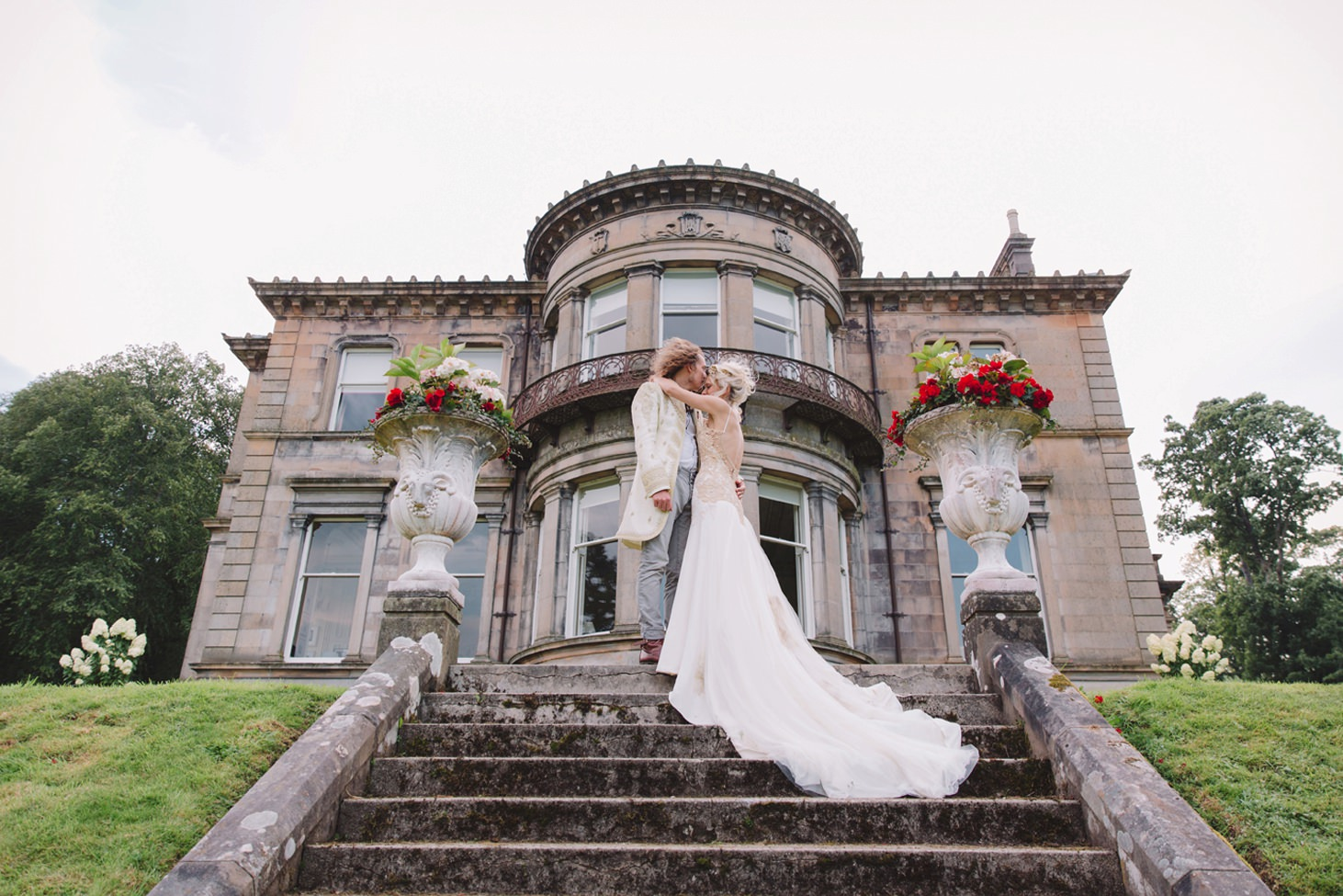 isle of bute wedding photography bride and groom on steps