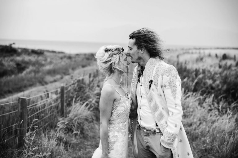 isle of bute wedding photography groom and bride kiss