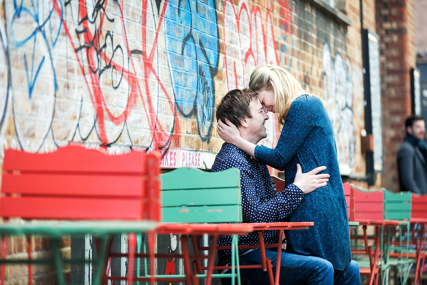 shoreditch engagement photography couple smiling