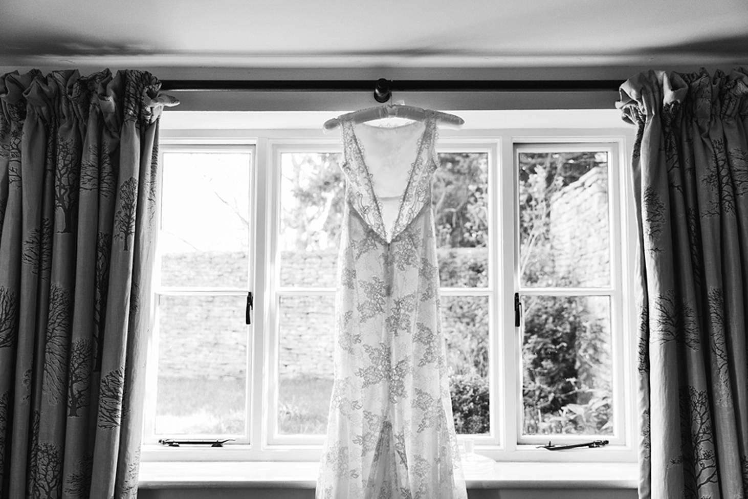 cotswolds wedding bride wedding dress