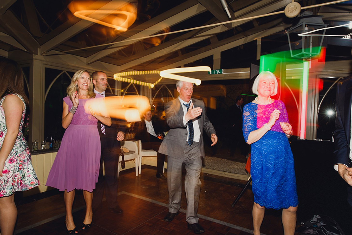 cotswolds wedding guests dancing