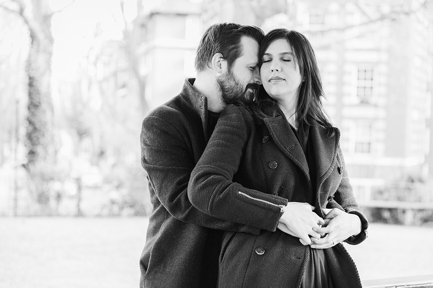 shoreditch engagement shoot couple hug