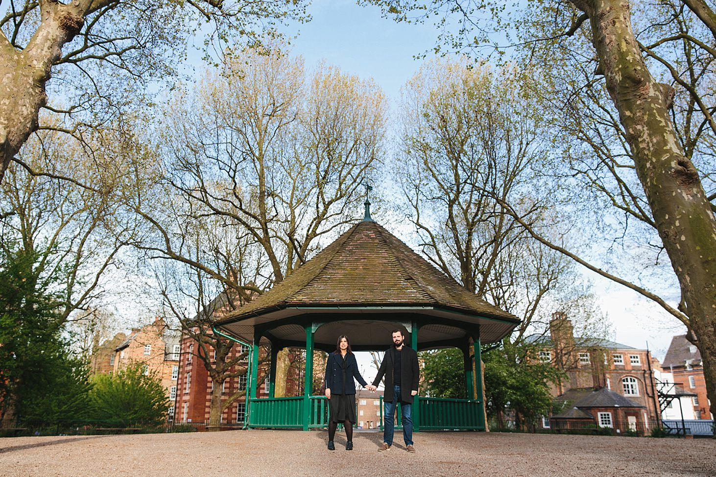 shoreditch engagement shoot couple at bandstand arnold circus