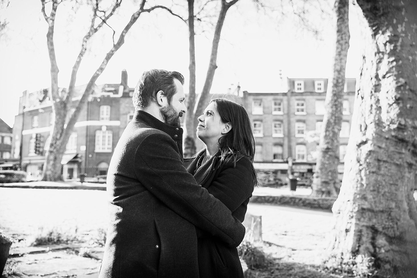 shoreditch engagement shoot couple