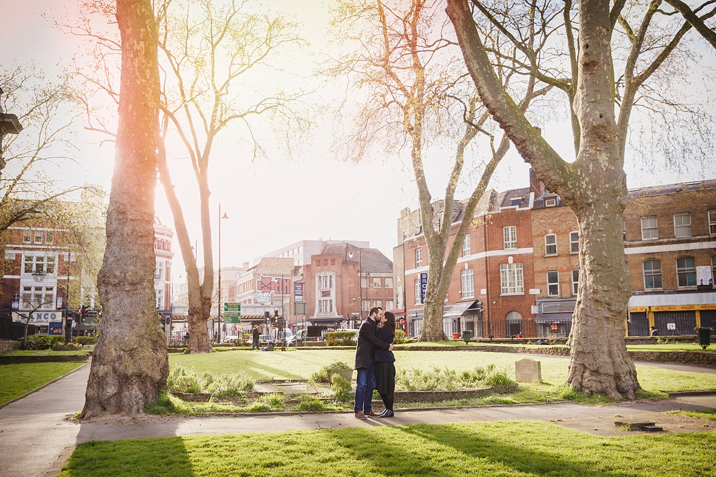 shoreditch engagement shoot couple in sun