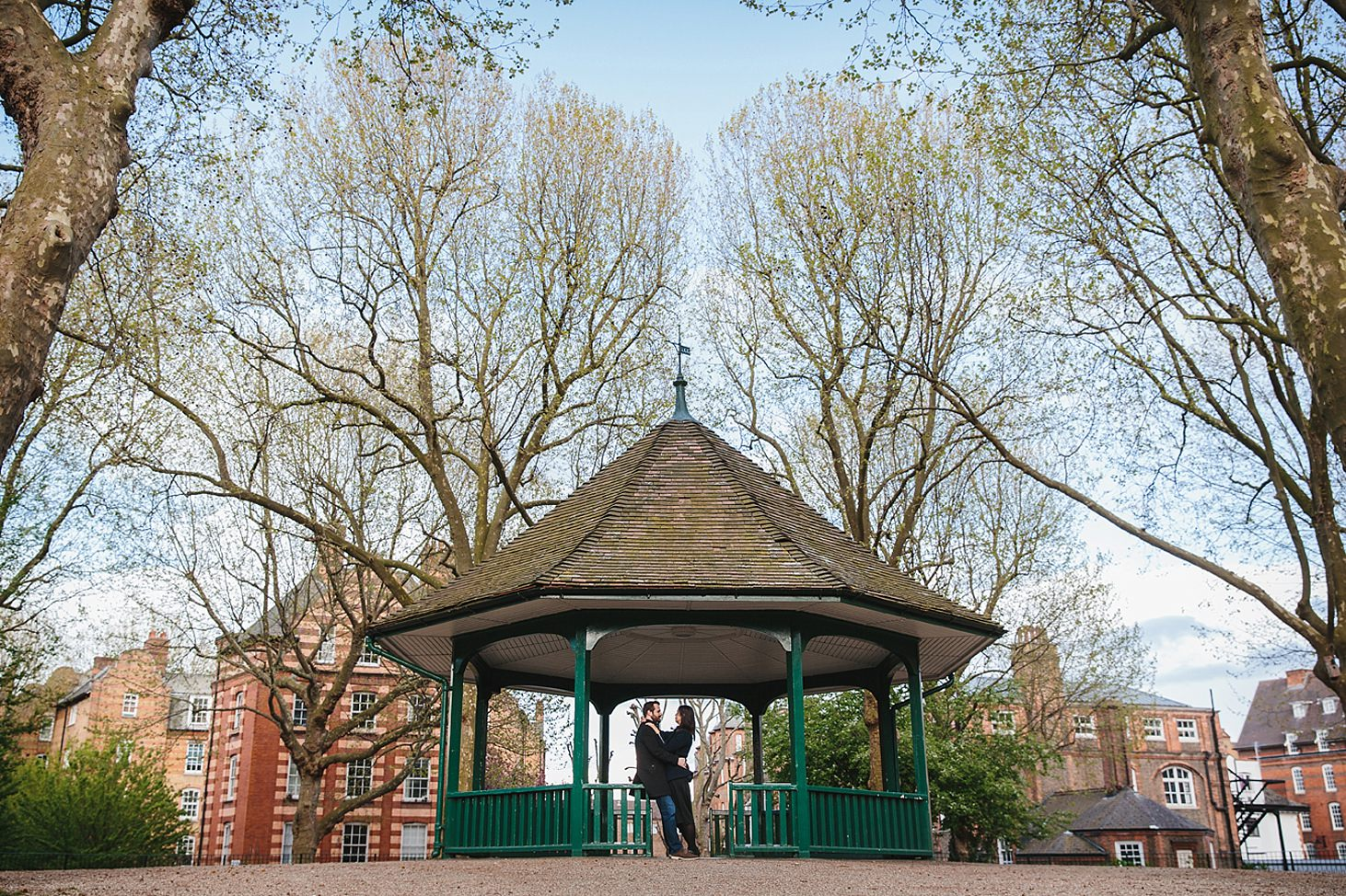 shoreditch engagement shoot arnold circus bandstand