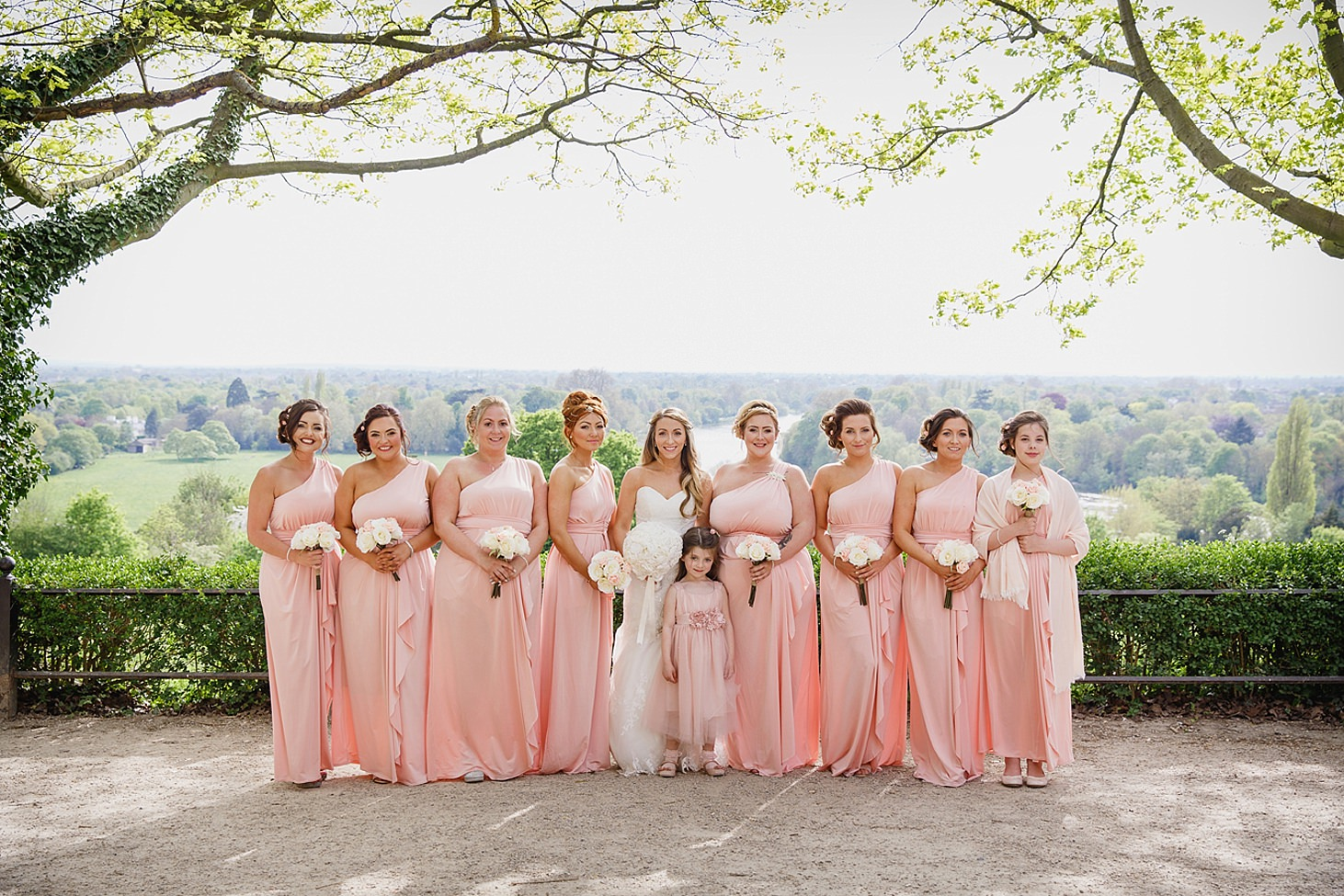 richmond hill wedding photography bride and bridesmaids