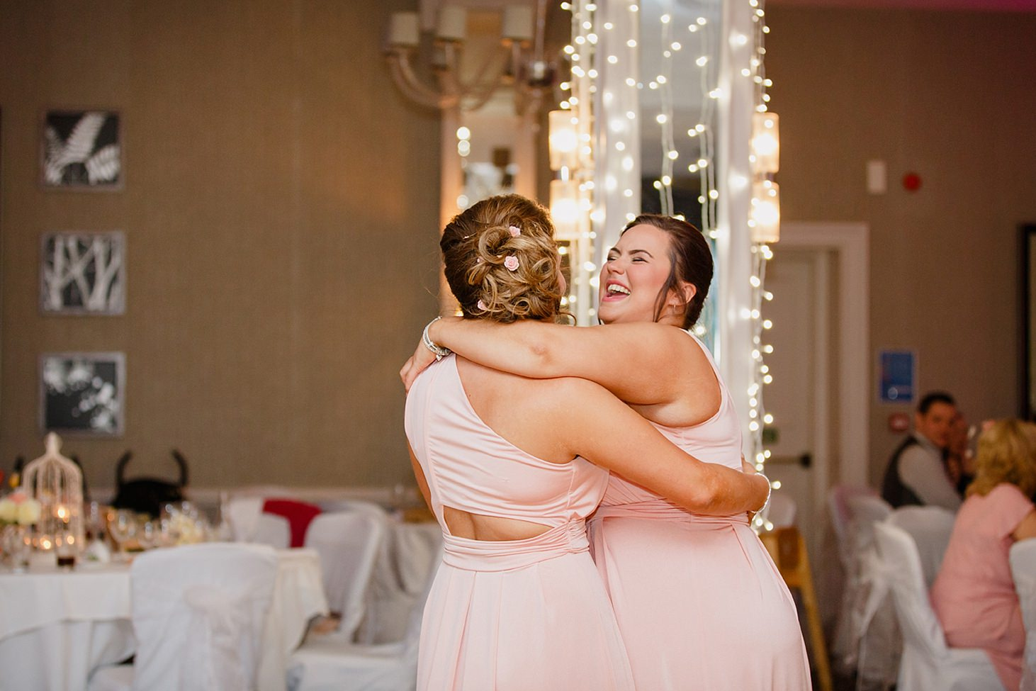 richmond hill wedding photography bridesmaids hugging