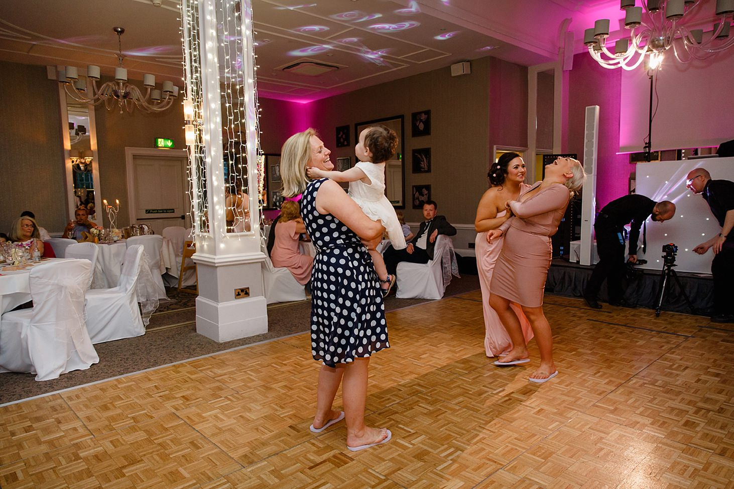 richmond hill wedding photography wedding guests on dance floor