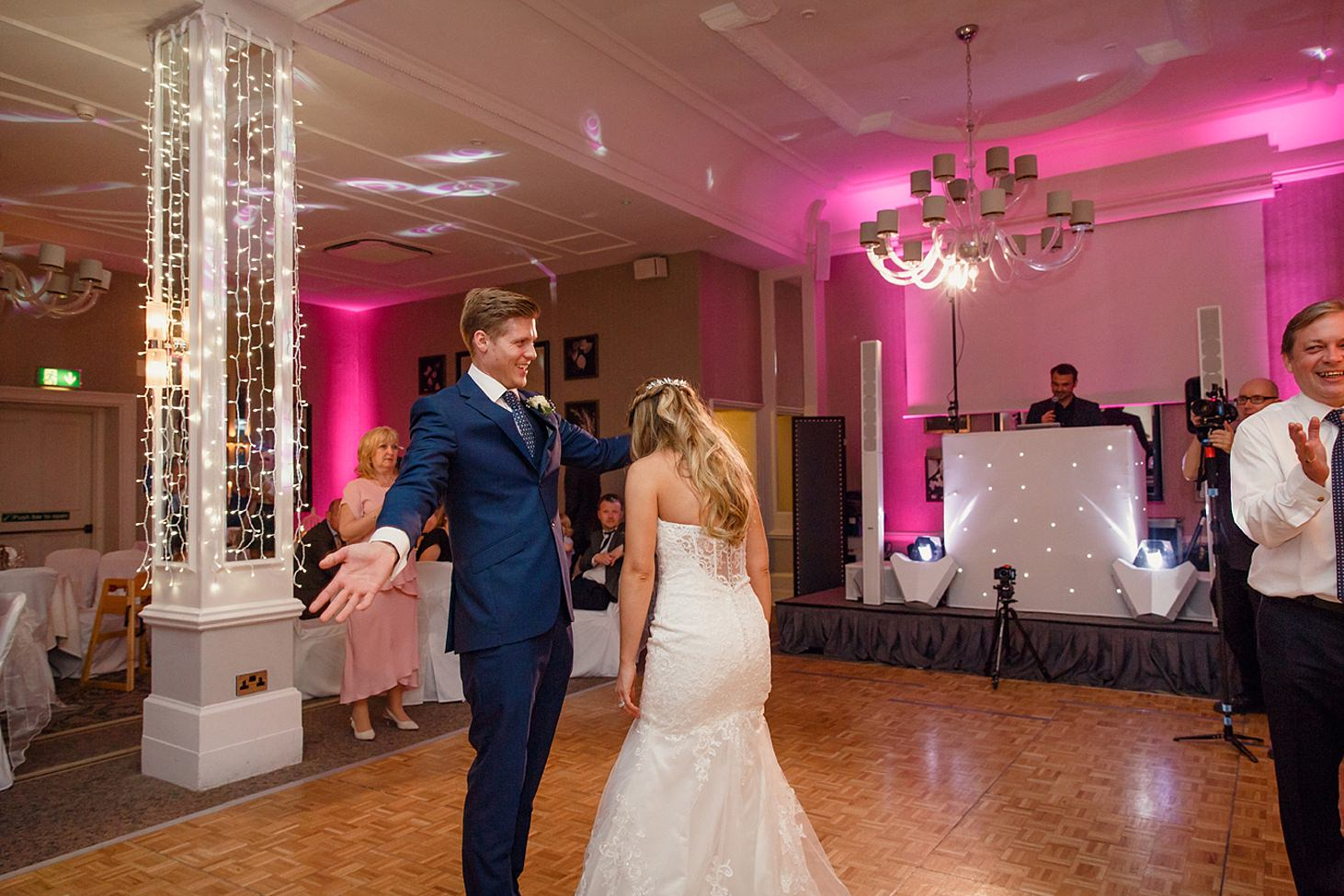 richmond hill wedding photography groom dance
