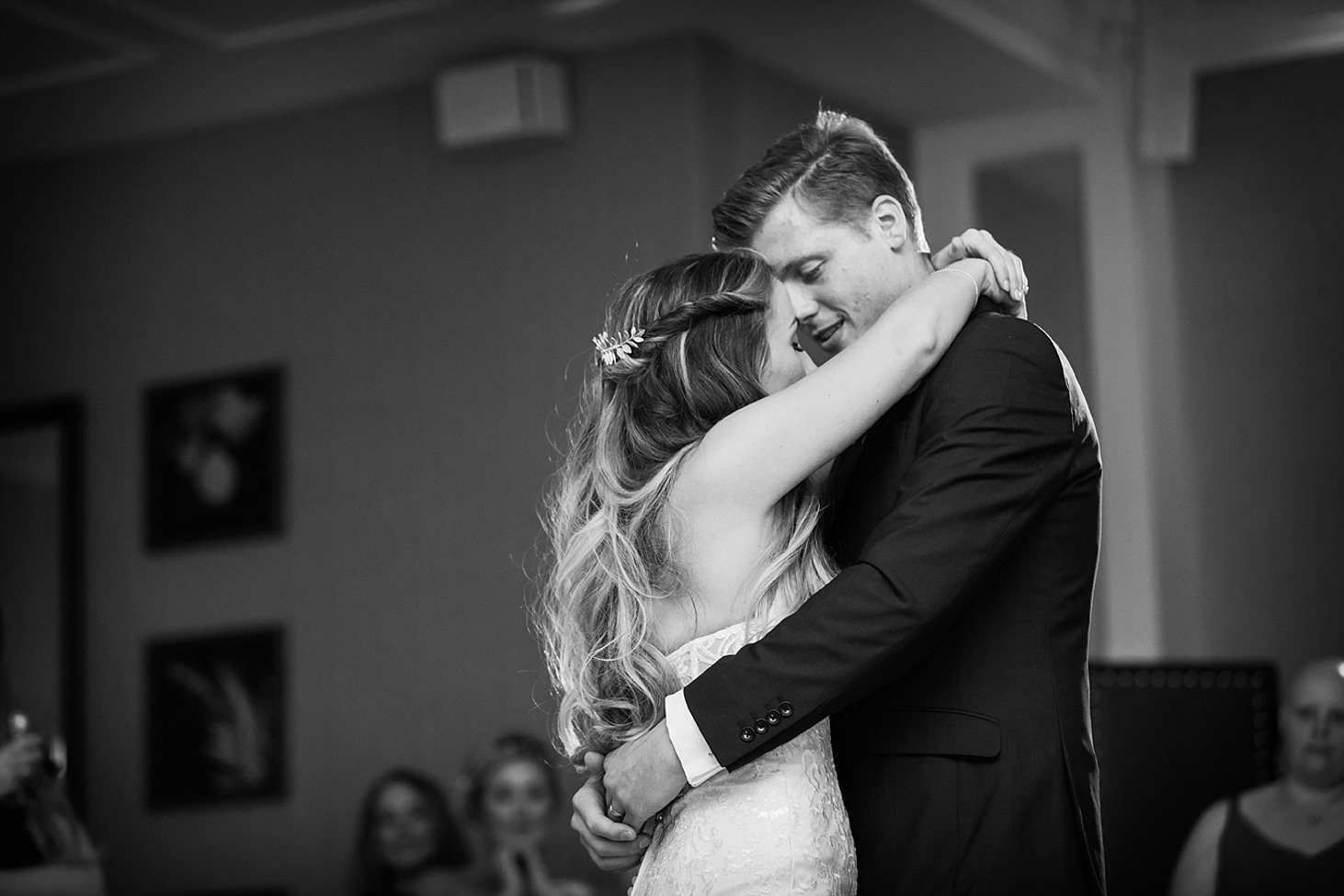 richmond hill wedding photography bride and groom hug
