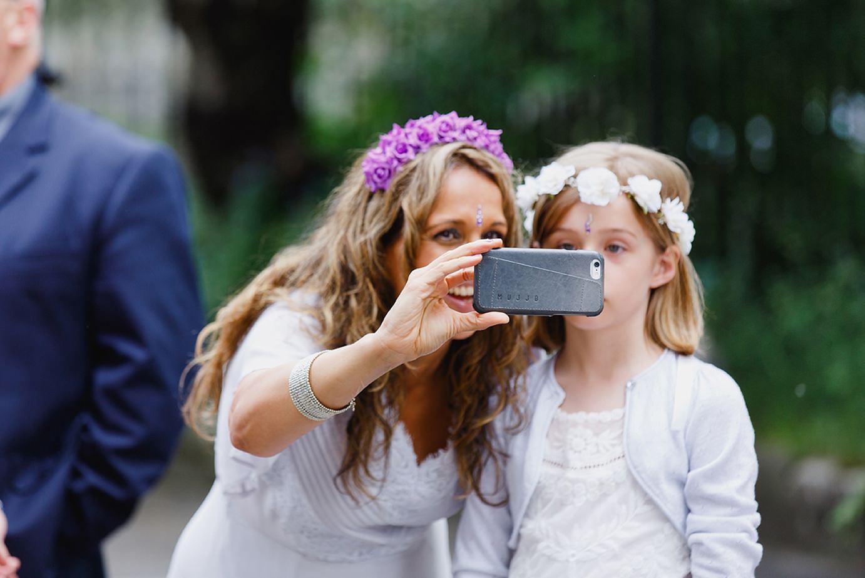 Londesborough pub wedding photography bridemaid selfie