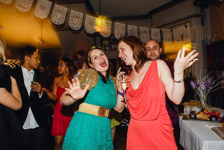 Londesborough pub wedding photography dancing guests