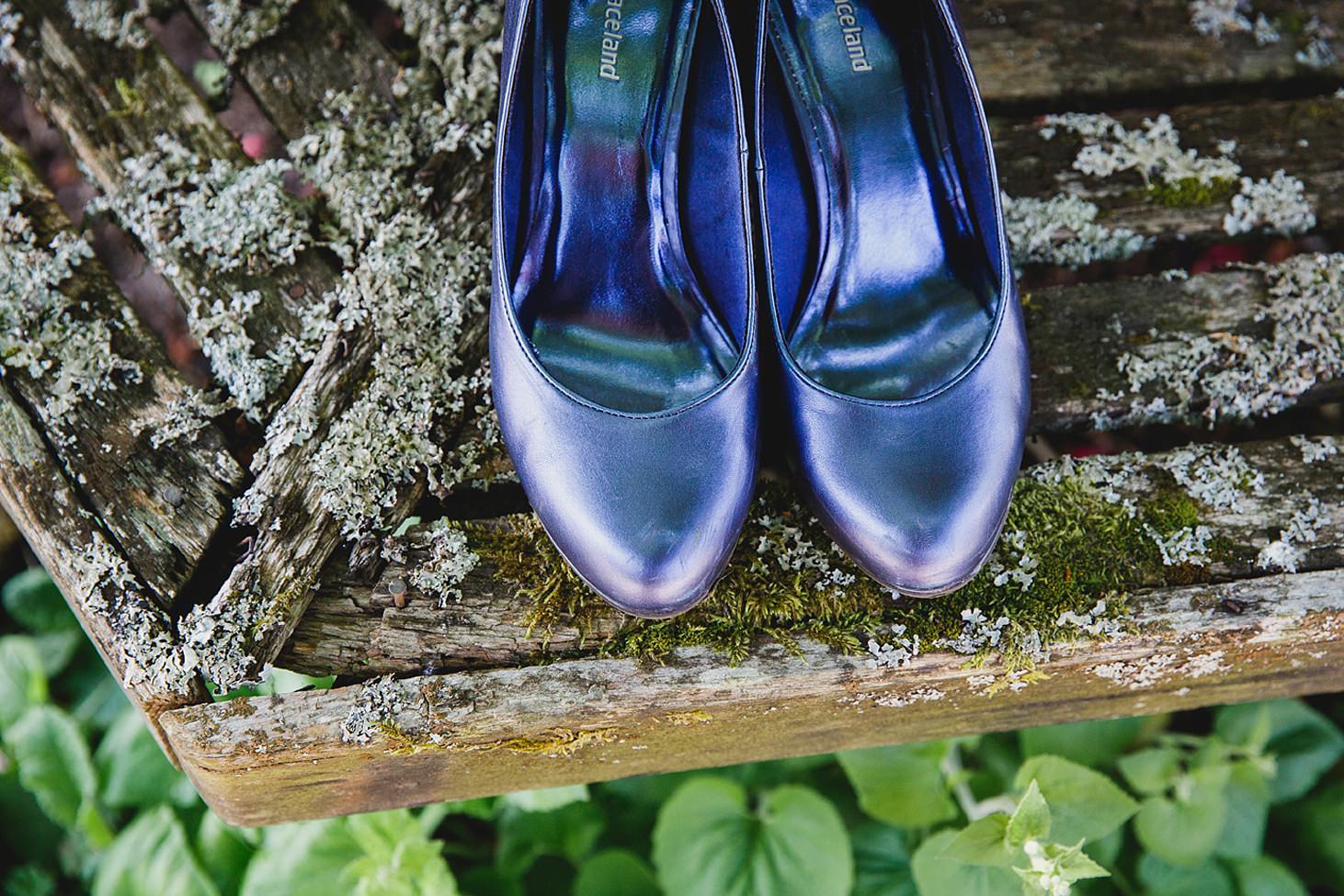 gate street barn wedding photography bride's shoes