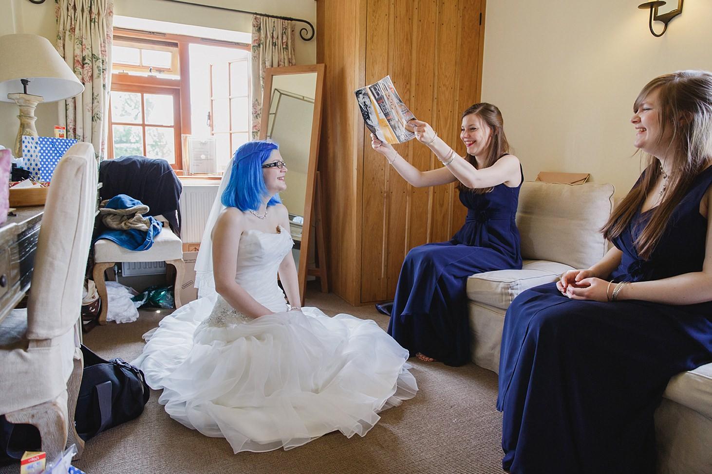 gate street barn wedding photography bride bring fanned