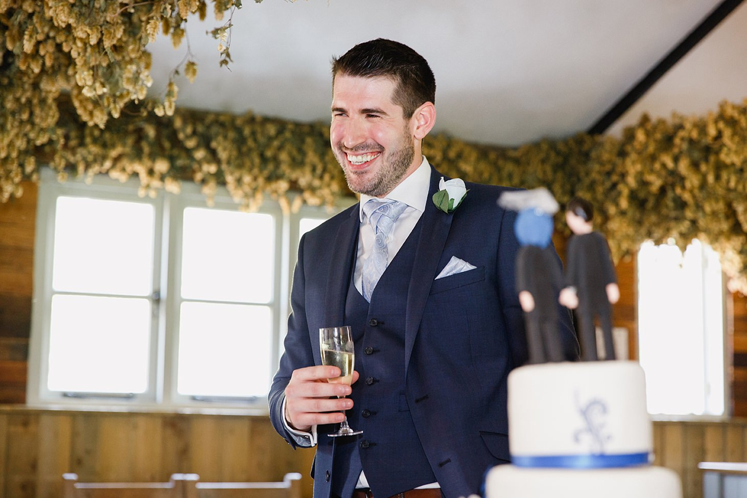 gate street barn wedding photography best man during speeches