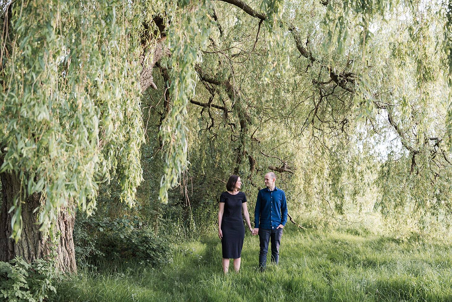 trent park engagement shoot couple by willow tree