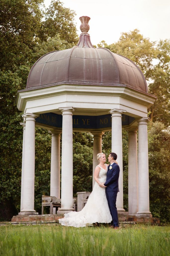 Bignor Park wedding photography – Sarah and Richard's relaxed and pastel floral outdoor wedding