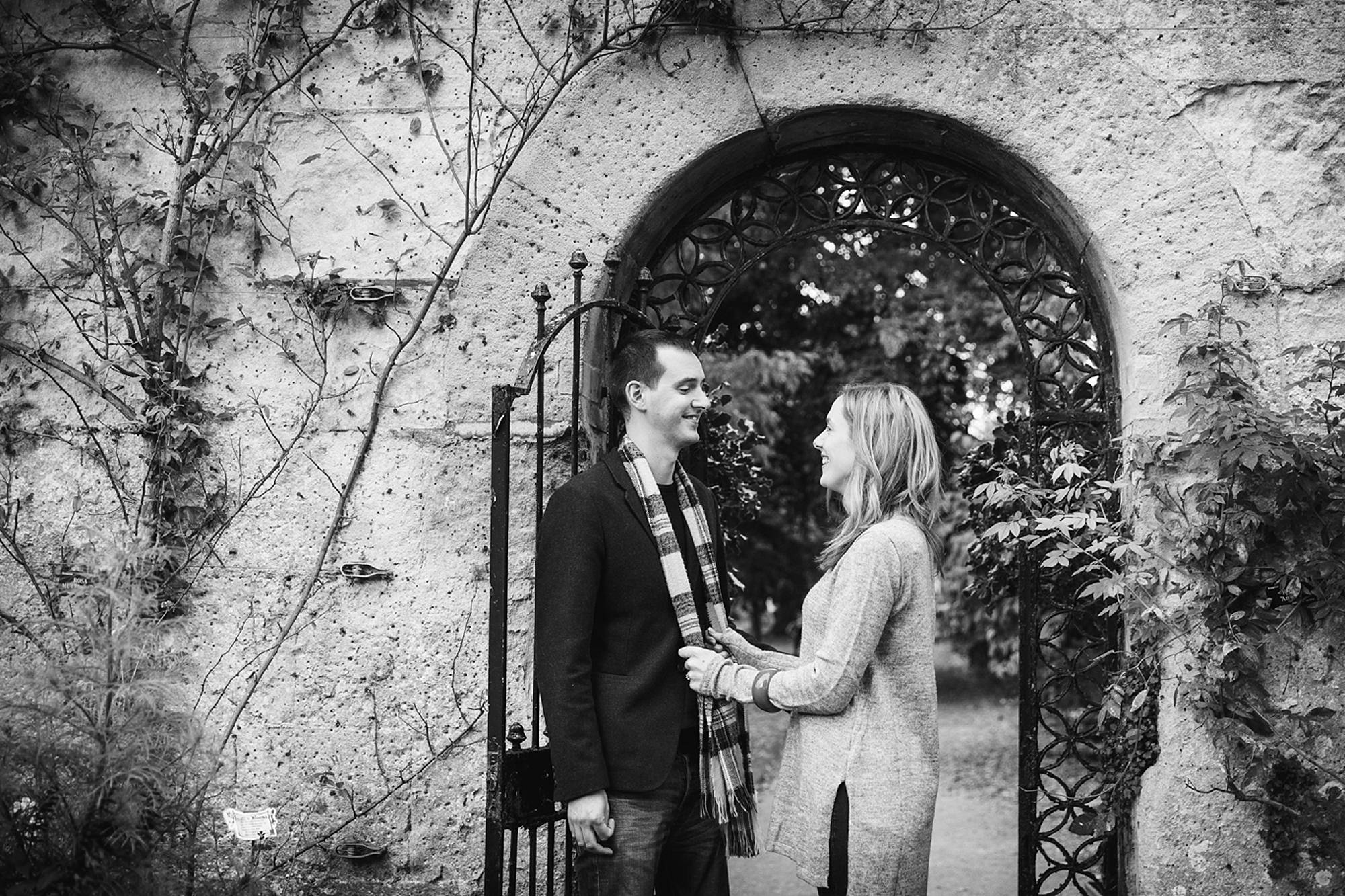 Oxford engagement photography in botanical gardens