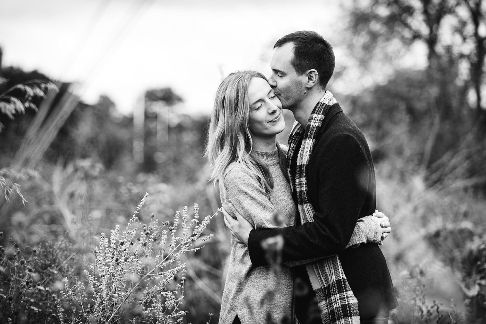 Oxford engagement photography couple together in gardens