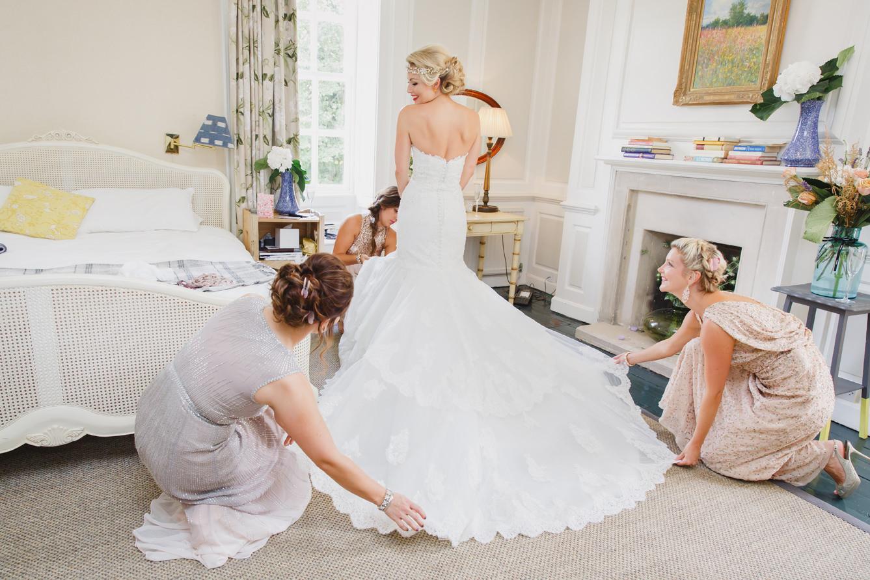 sarah ann wright bride getting ready
