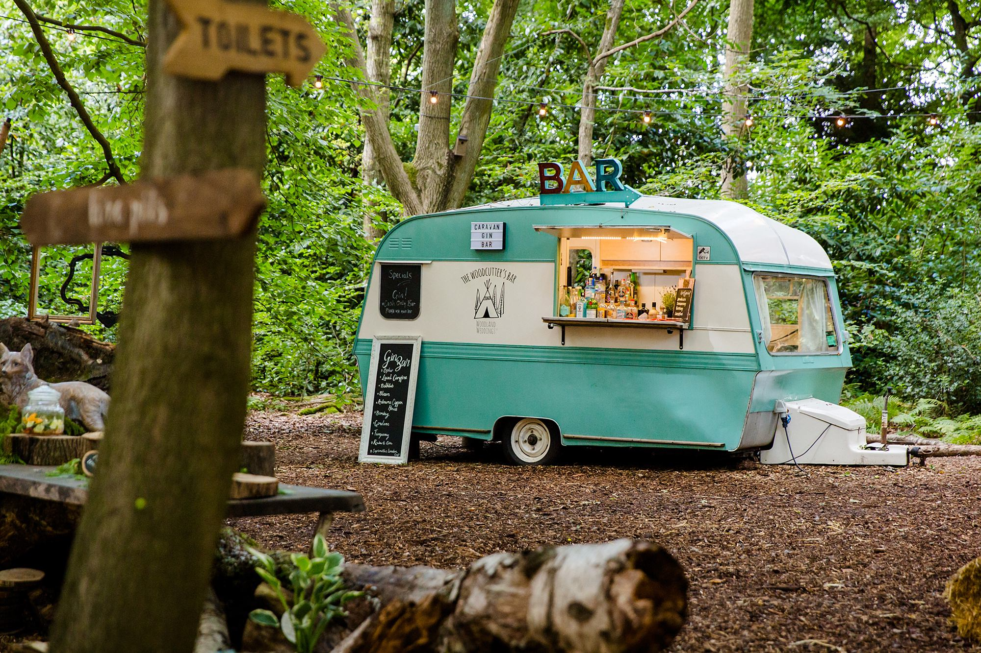 Woodland Weddings Tring gin bar