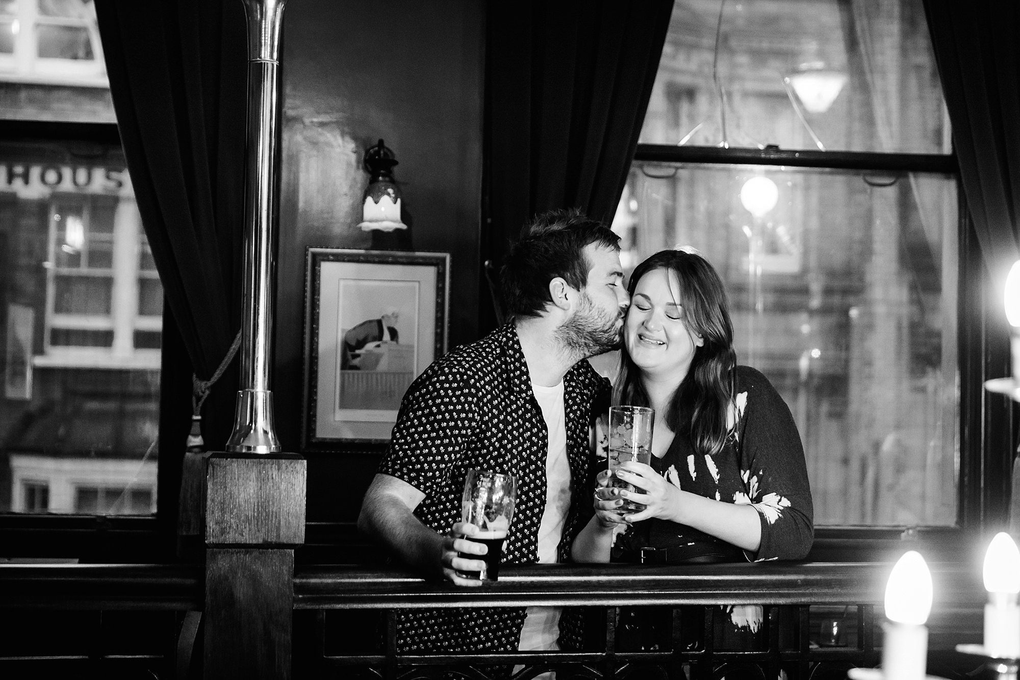 Croydon engagement photography in the pub