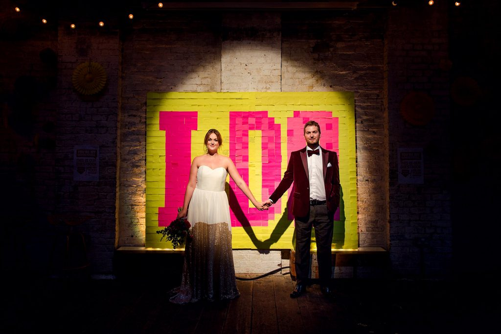 Fun London wedding – Lou & Paul with beer pong, quiz time and a Post-It note wall