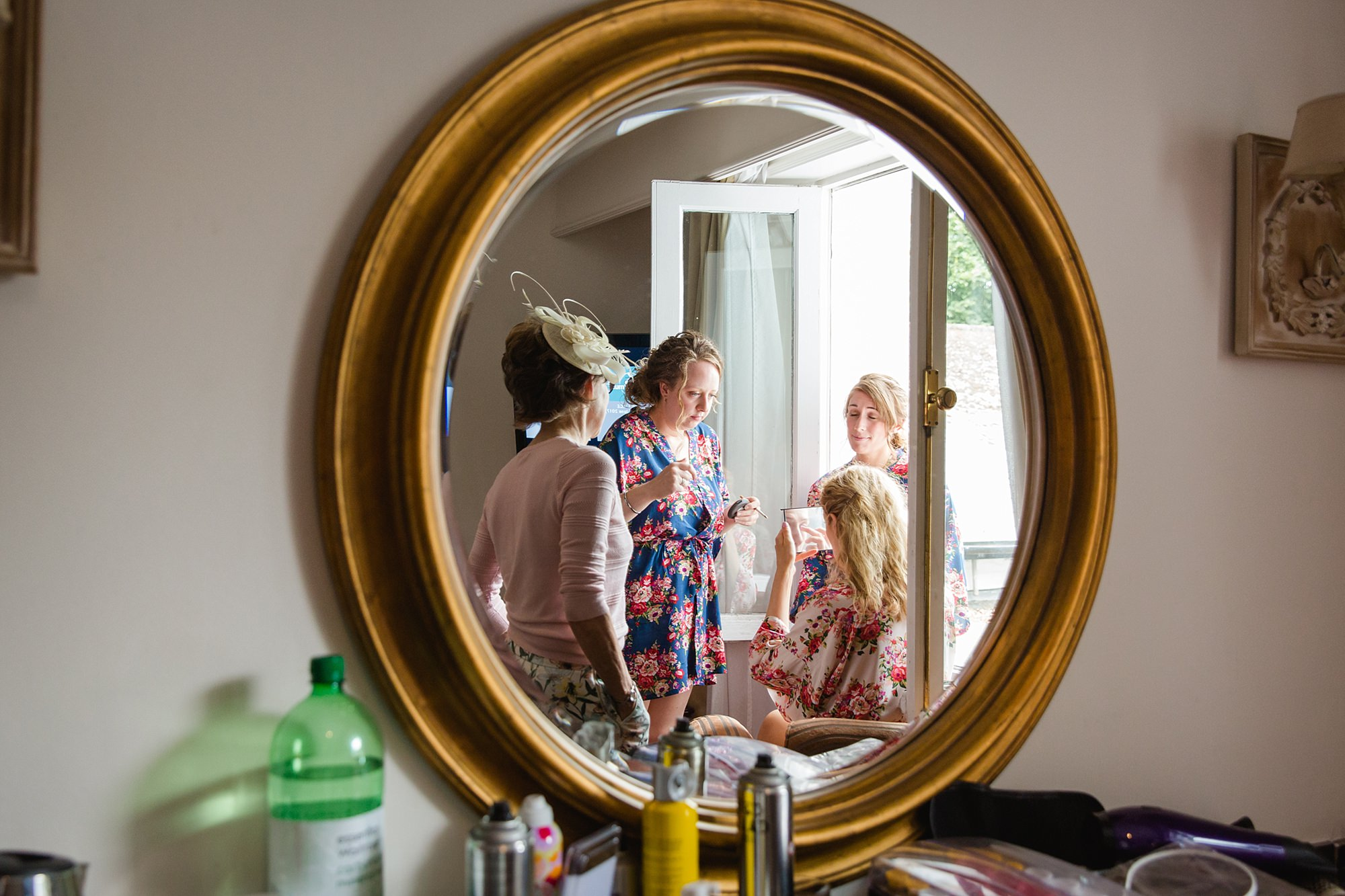 Isis Farmhouse Oxford Wedding bride's family watch her get ready