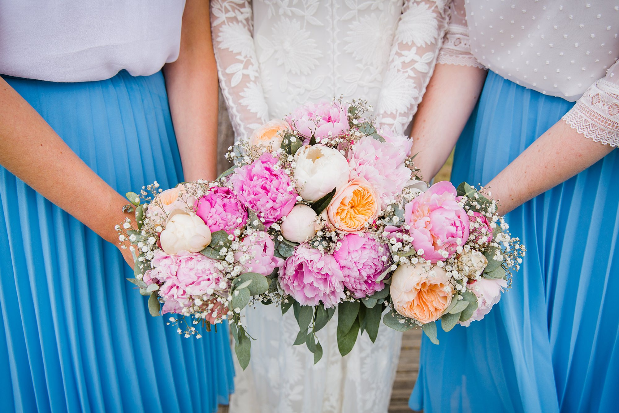 Isis Farmhouse Oxford Wedding close up detail of bride and bridesmaids bouquets