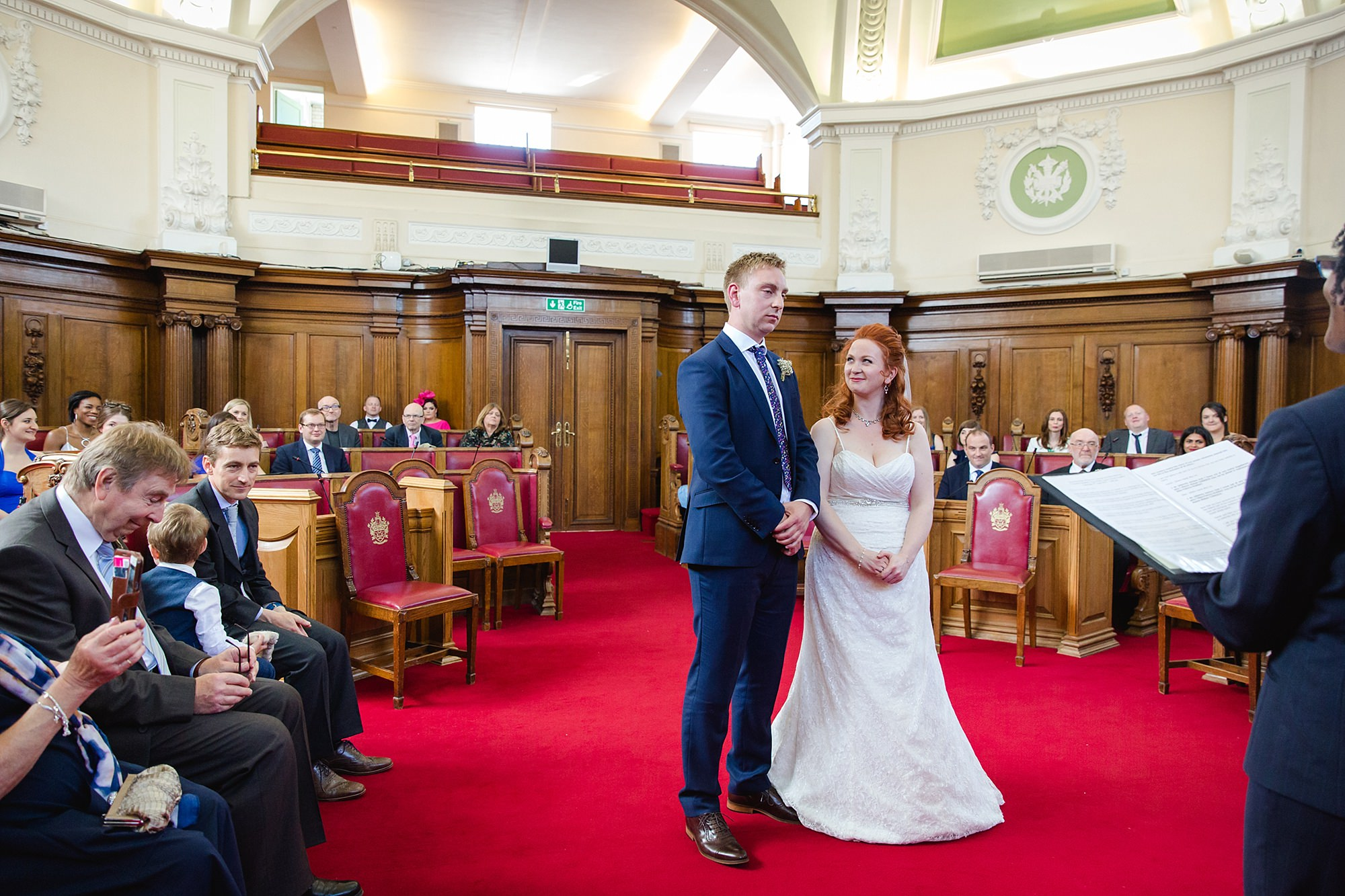 oyster shed wedding bride and groom at islington town hall